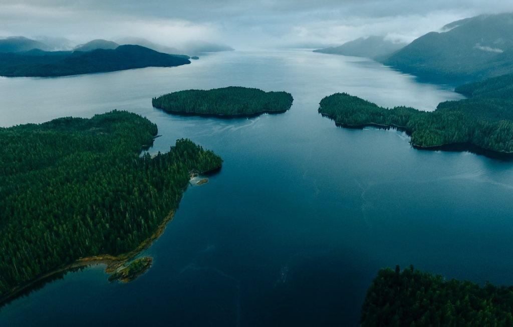 Khám phá top 10 hồ lớn nhất trên thế giới theo diện tích có thể bạn chưa biết