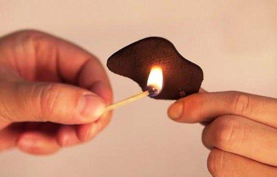 Đốt da thật có cháy không? Phương pháp thử lửa đồ da chuẩn nhất