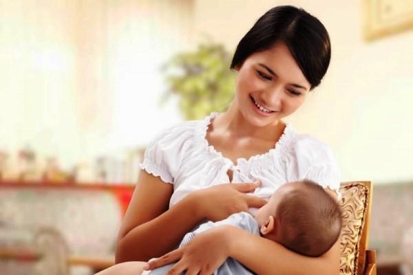 Top 10 lầm tưởng và sự thật về nuôi con bằng sữa mẹ bạn nên biết