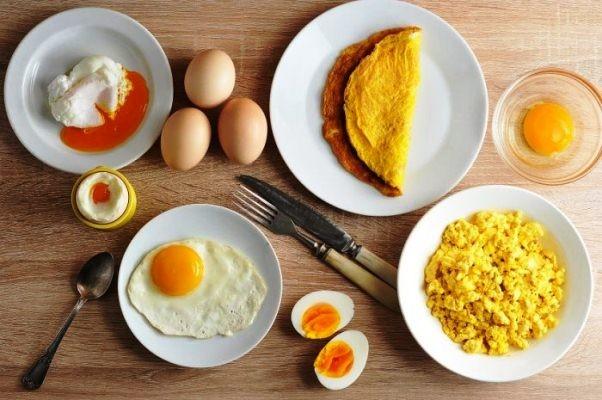 Trứng gà lòng đào hay chín kỹ nhiều dinh dưỡng hơn