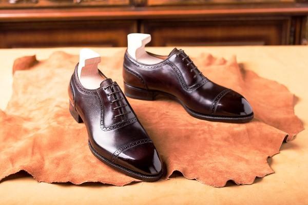 Top 10 hãng giày da trong và ngoài nước nổi tiếng được yêu thích nhất hiện nay