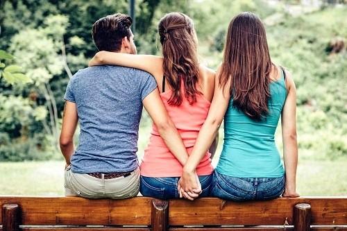 Nhận diện 5 kiểu ngoại tình không sex nhưng lại rất dễ vướng vào