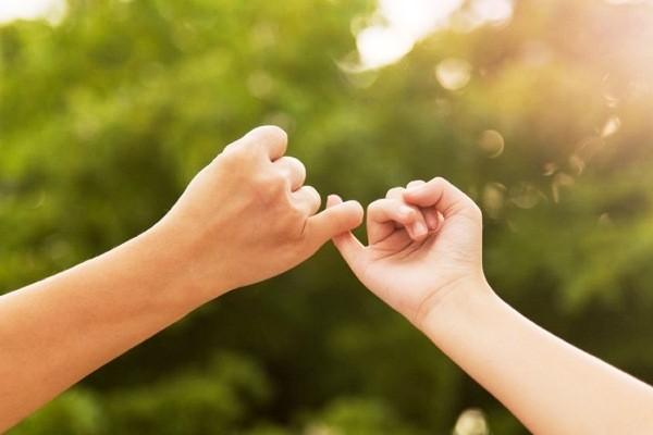 Nhìn ngón tay út đoán tương lai của cuộc hôn nhân của bạn như thế nào?