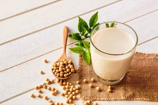 Phụ nữ uống sữa đậu nành có tốt không giải đáp chi tiết nhất cho chị em