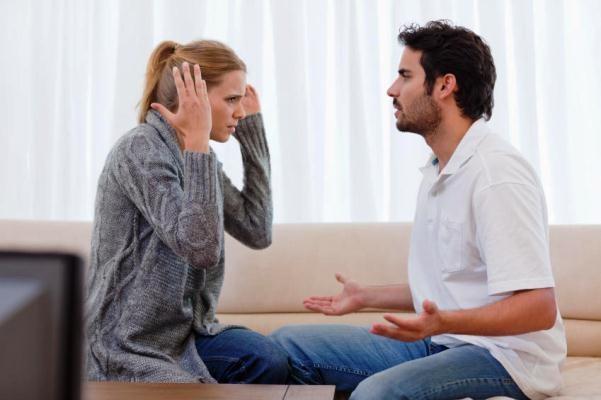 12 dấu hiệu chứng tỏ bạn đang bị bạn trai kiểm soát