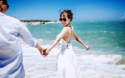 7 cách nắm tay tiết lộ đôi điều về tình yêu đôi lứa giữa bạn và người ấy
