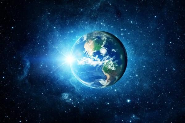 Trái Đất Nặng Bao Nhiêu? Con người sinh sống có làm cho Trái Đất nặng thêm không?