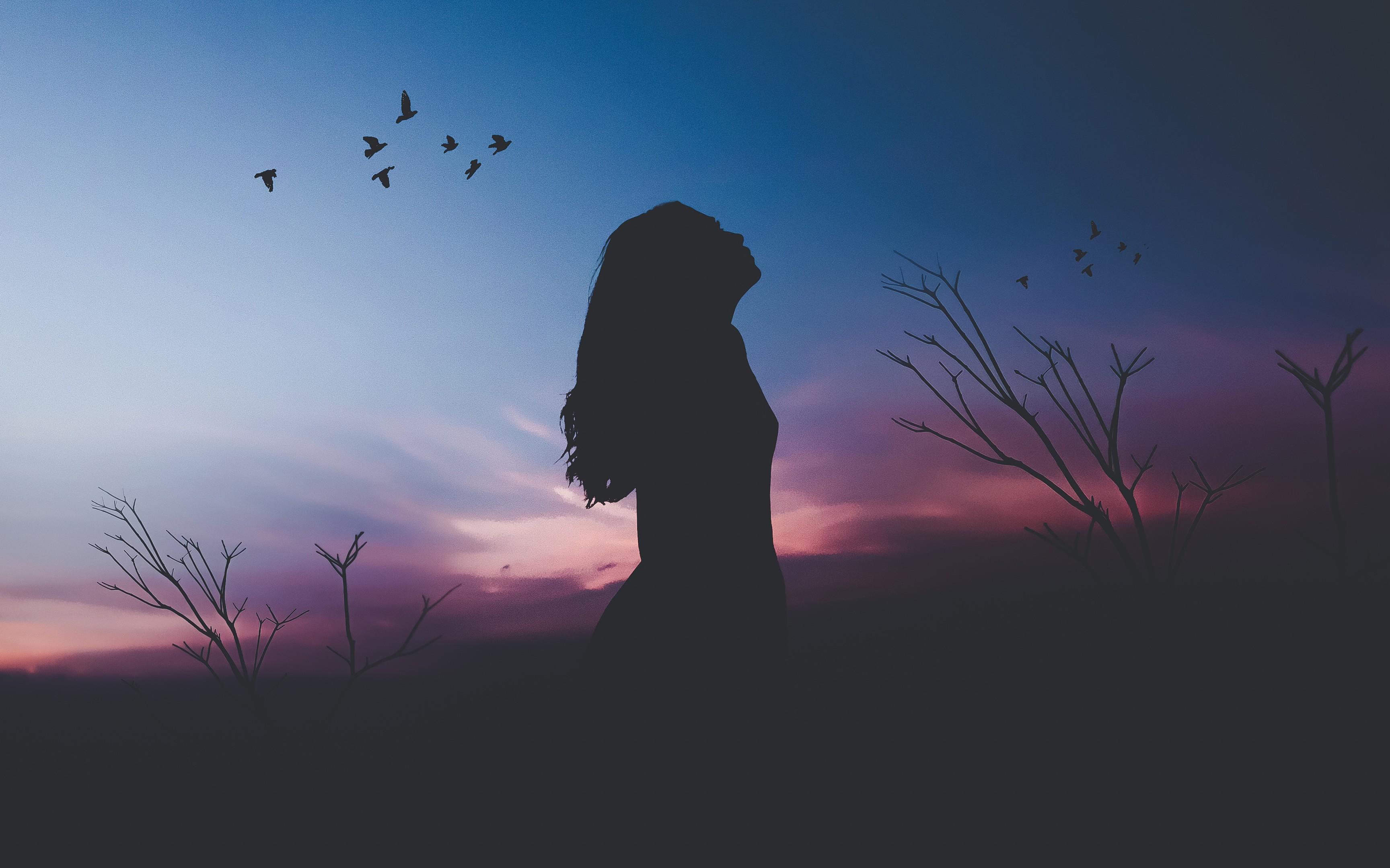 Vì sao ta luôn có cảm giác cô đơn bất kể cuộc sống có no đủ đến đâu đi chăng nữa