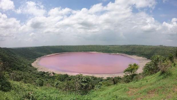Hồ nước 50.000 năm tuổi biến thành