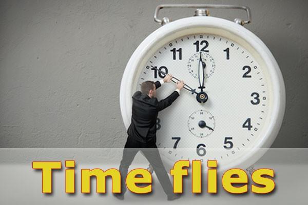 Thời gian trôi nhanh bằng tiếng Anh - Thành ngữ tiếng Anh chỉ thời gian hay