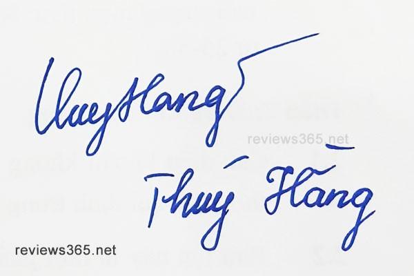 Mẫu chữ ký đẹp - chữ ký phong thủy - hướng dẫn ký tên bay bổng - chữ ký Thúy Hằng