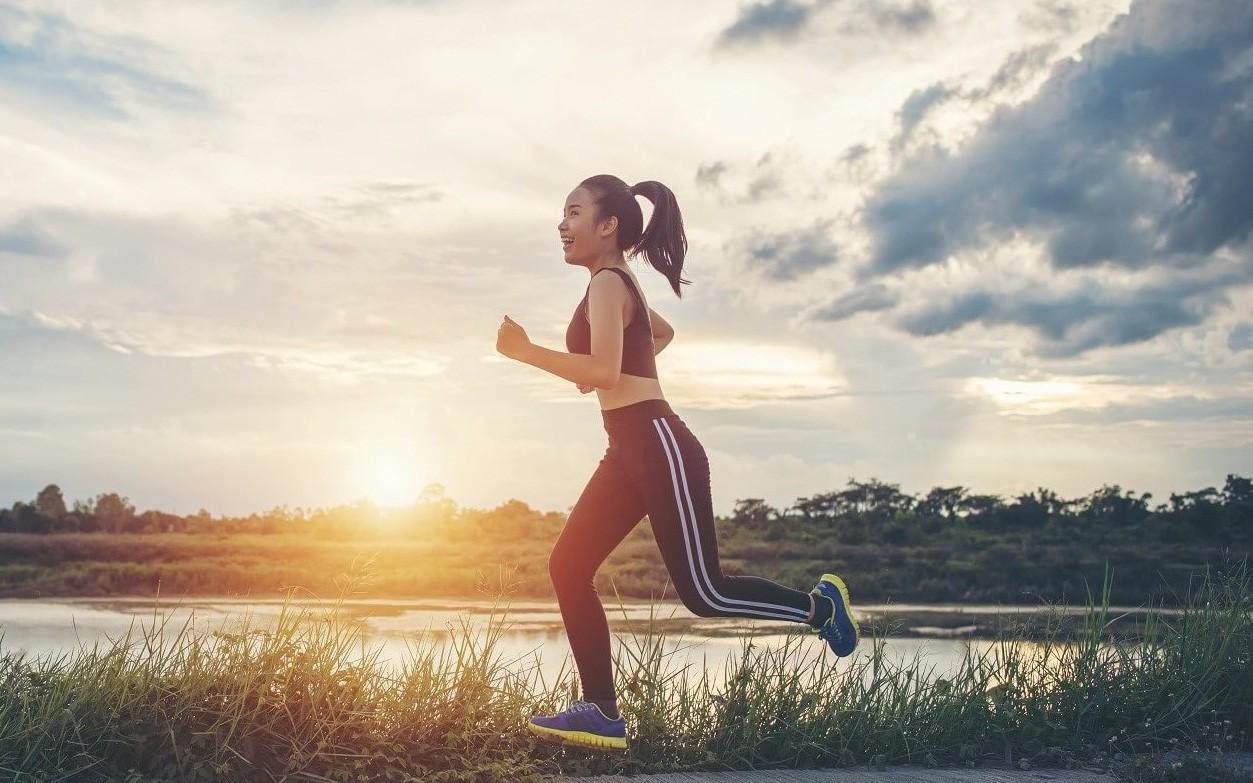 Thường xuyên tỉnh giấc lúc 1-3 giờ sáng chính là dấu hiệu gan đang kêu cứu: Áp dụng ngay 4 cách sau để thải độc tố