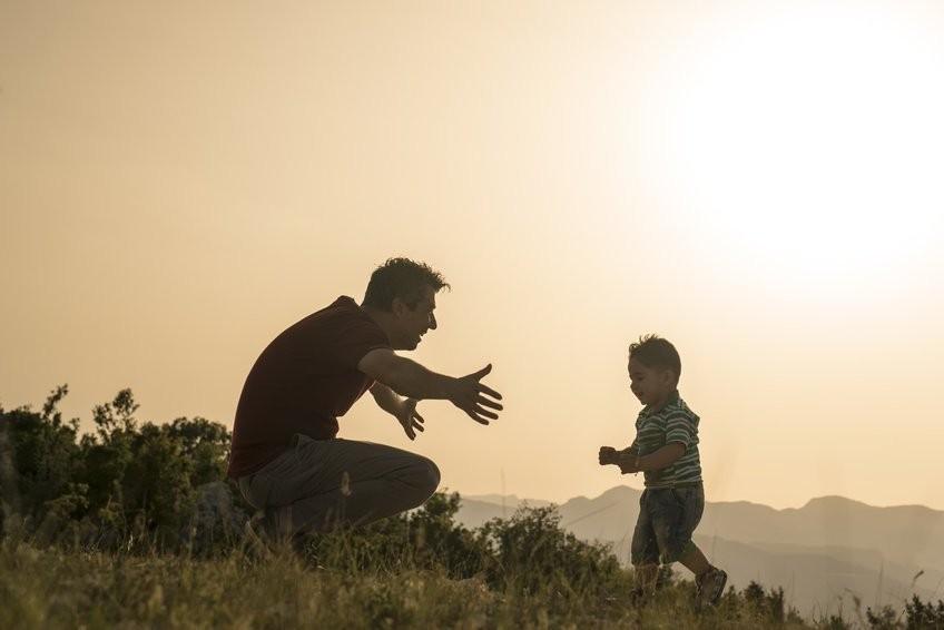 Lá thư người cha tỷ phú gửi con trai về tiền bạc và nhiều bài học đáng giá cả đời người