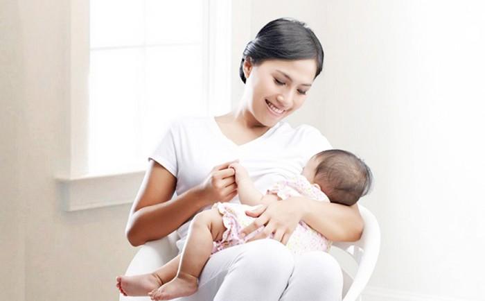 Khi nào sữa mẹ có chứa kháng thể?