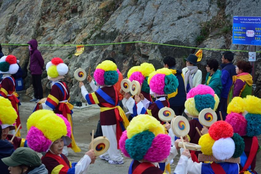 Lễ hội Sea-parting Festival hằng năm luôn thu hút nhiều khách nước ngoài và nội địa.(Ảnh; Photoshelter)