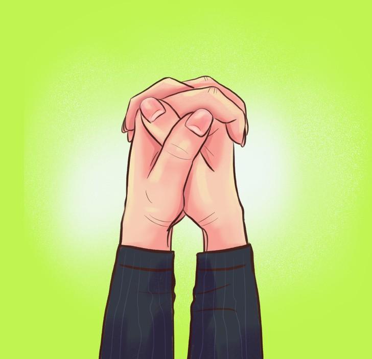 Cách nắm chặt hai tay nói lên điều gì về con người bạn?