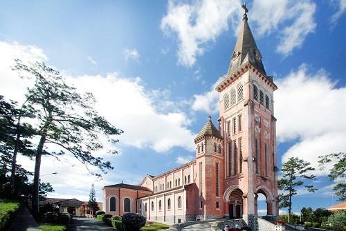 Nhà thờ Con gà nổi tiếng ở Đà Lạt