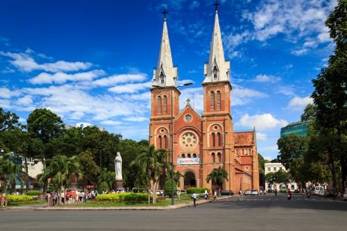 Nhà thờ Đức Bà – TP Hồ Chí Minh