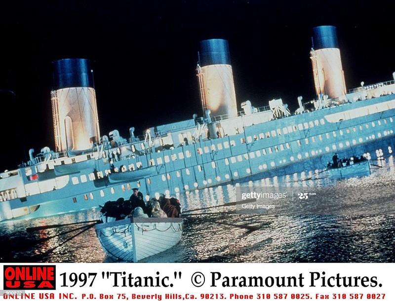 """Vào ngày 19/12/1997, đạo diễn nổi tiếng người Mỹ James Cameron đã cho ra mắt tác phẩm """"Titanic"""", được công chiếu tại Hoa Kỳ. (Ảnh qua Getty Images)"""