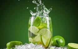 7 lợi ích của việc uống nước chanh mỗi ngày và một số lưu ý về sức khỏe