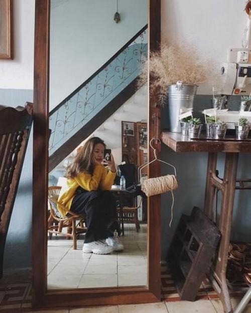 Bỏ túi ngay 10 kiểu chụp ảnh tại quán cafe để 'sống ảo' đúng điệu!