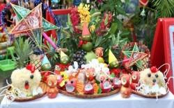 Cách bày và trang trí mâm cỗ Trung Thu truyền thống đầy đủ, đẹp mắt