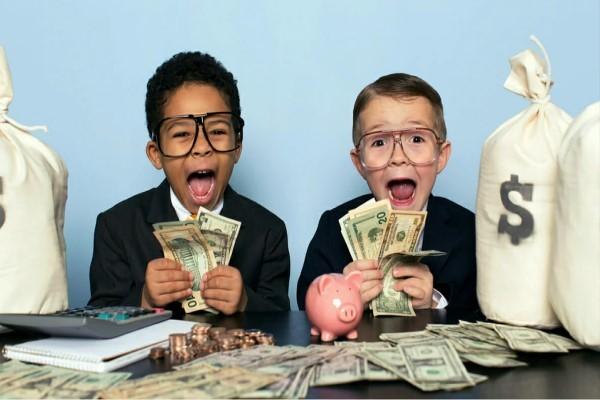Top con giáp số hưởng cuối tuần (25-26/9): Tiền bạc chẳng còn là nỗi lo