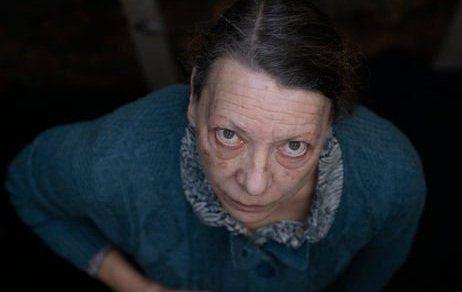 Marianne - Câu chuyện kinh dị rợn gáy đầy u ám tạo hình nhân vật đáng sợ