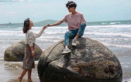 Những hòn đá 'trứng rồng' lạ mắt ở bãi biển Koekohe
