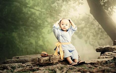 Giá trị lớn nhất của đời người là gì? Câu chuyện tiểu hòa thượng đi bán đá sẽ giúp bạn tìm ra câu trả lời